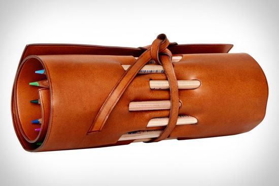 Scribes need things like this strapped to their belts (Leather Pencil Roll). And I want one too. :)