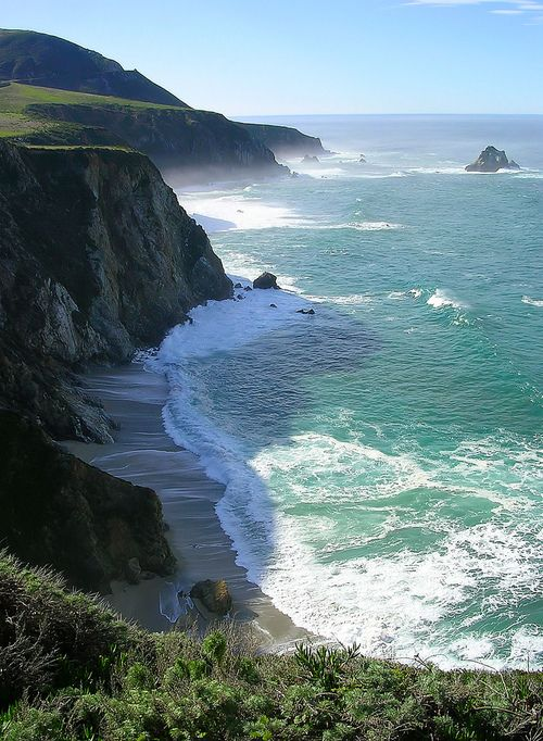 View from Highway 1, Big Sur, California, USA.