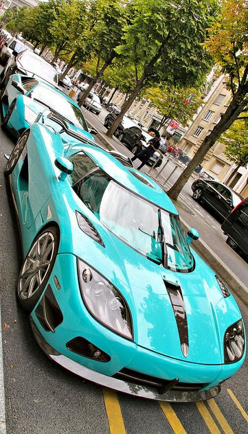 Turquoise / Teal car