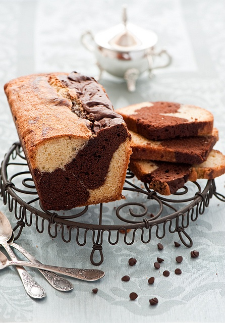 Marble Pound Cake - such a wonderful classic! #cake #pound #marble #food #dessert #baking #chocolate