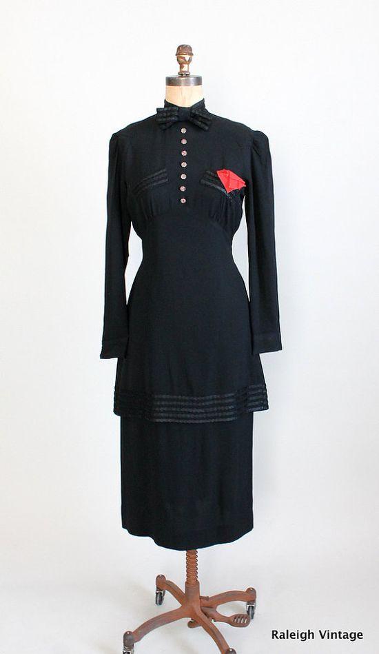 Vintage 1930s Black Crepe Dramatic Entrance Dress