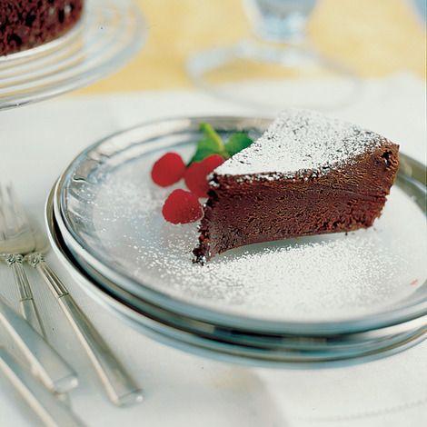 The simplest flourless chocolate cake :)