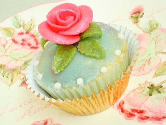 #cupcake #aqua #rose #pink #green love the double wrapper