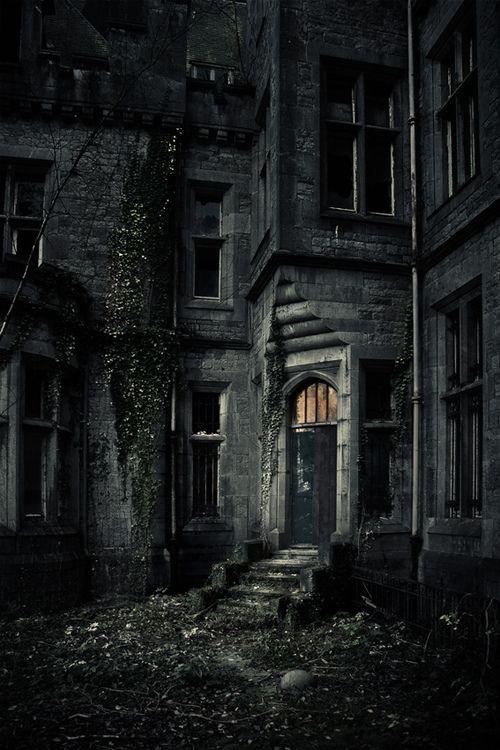 Dark and Ancient Castle, Belgium  photo via iam