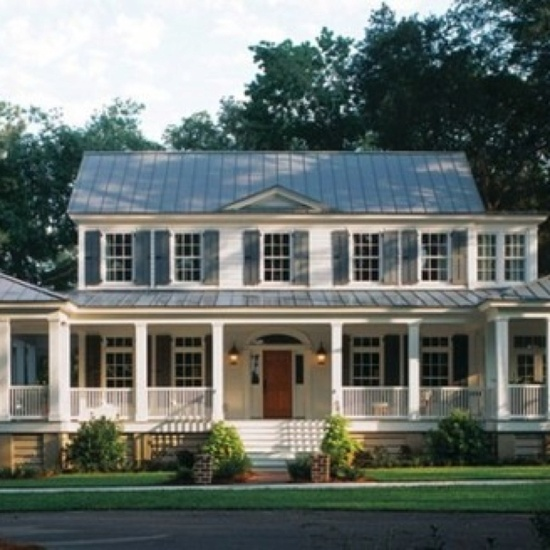 Southern home with nice porch!