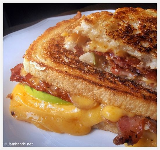Apple Bacon Cheddar Melts with Roasted Red Onion Mayo at www.JamHands.net