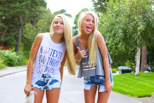 Girls Friends Blondes  Summer  Clothes  Style Hanging out