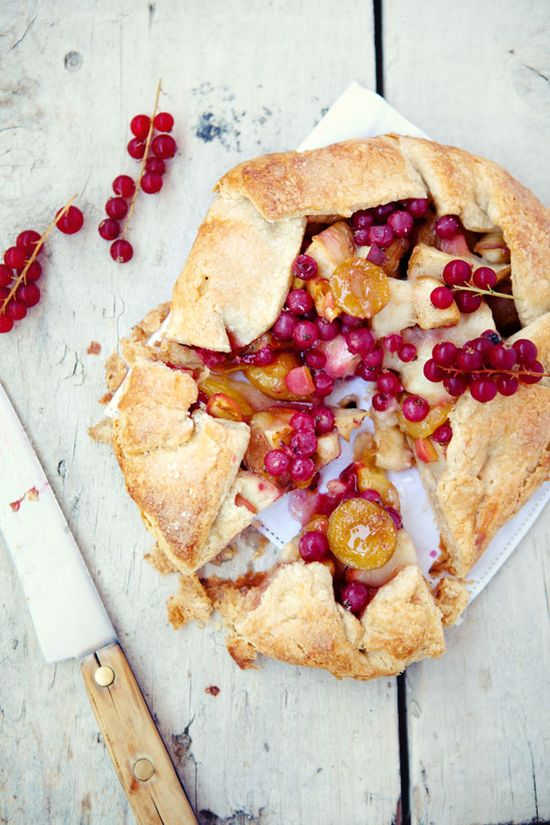 plum, white nectarine & currant galette