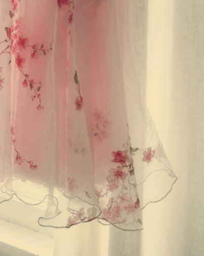delicate pink curtains...ooh i love these!