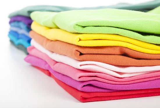 As fall comes closer, use our helpful tips to pack summer clothes for the season.