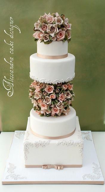 Stunning cake.