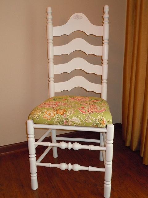 Antique Shaker Style Ladder Back Shabby  Chair