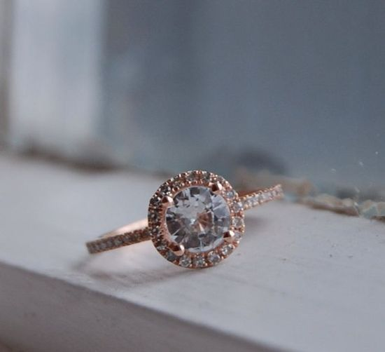 white sapphire in rose gold