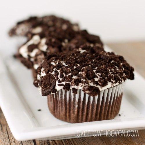 Oreo Cookies & Cream Cupcakes with Oreo Cream Filling