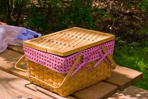 Prepare the Perfect Picnic: Healthy Swaps for the 9 Worst Picnic