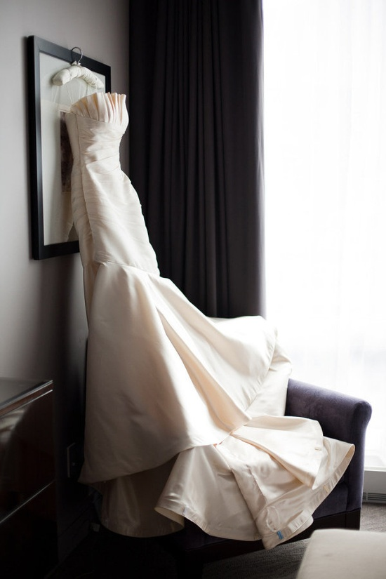 Lovely wedding gown by angelinacouturebr...,   Photography by sarahpostma.com