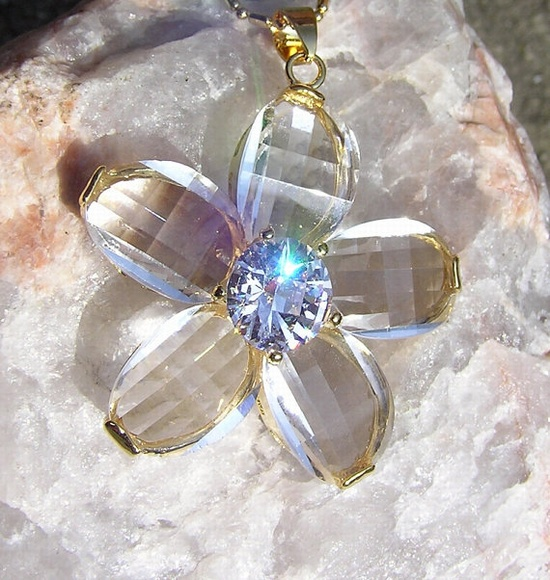 Crystal Flower Pendant  Vintage by SunnyCrystals on Etsy, £12.00