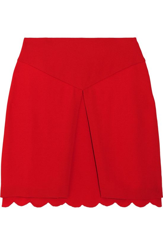 Giulietta A classic red skirt with an unexpected twist.