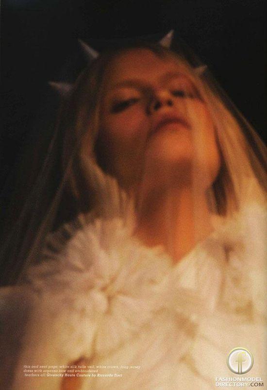 Natasha Poly - Photo - Fashion Model