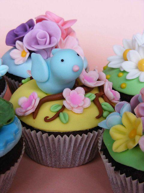Spring cupcakes by bubolinkata, via Flickr