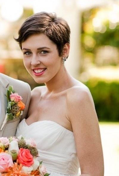 Beautiful short pixie cut for weddings