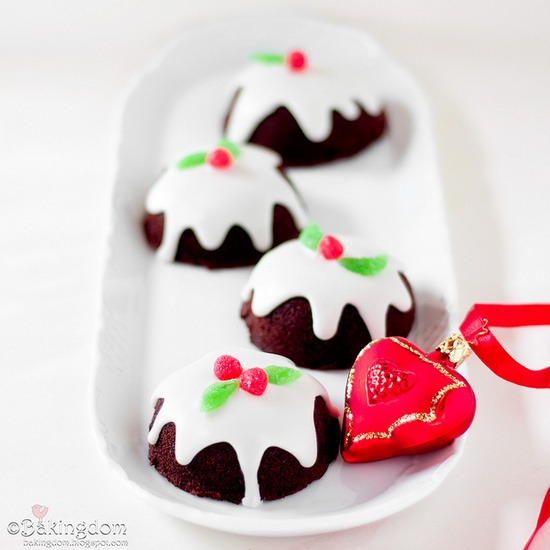 Seriously awesome Chocolate Christmas Pudding Cupcakes. #food #cooking #baking #Christmas #pudding #cupcakes #chocolate #entertaining