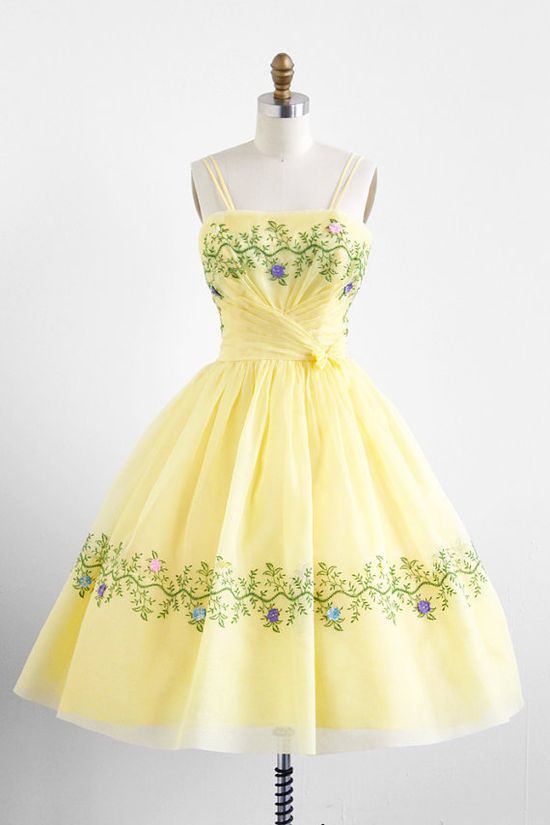 vintage 1950s yellow organza garden tea party dress  #floral #dress #1950s #partydress #vintage #frock #retro #sundress #floralprint #petticoat #romantic #feminine #fashion