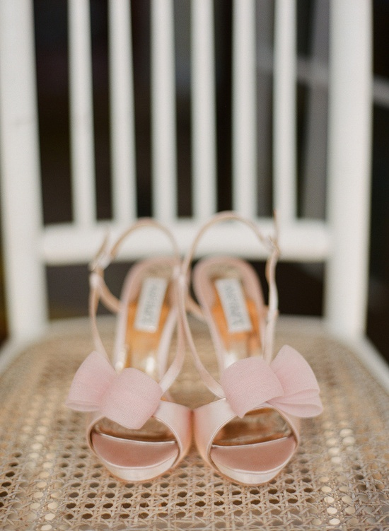 Badgley Mischka blush pink shoes ~ Photography by stephenpappasphot...