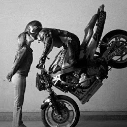 cute pose and a awesome Motorbike