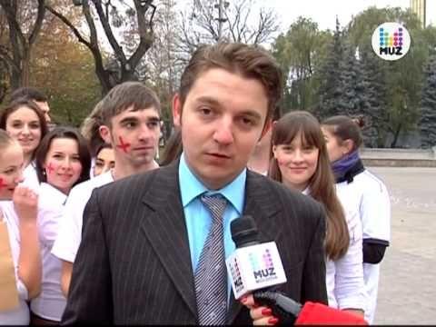 Gangnam Style in Chisinau MUZTV Moldova PRO-NEWS