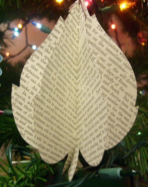 3d paper leaf ornament
