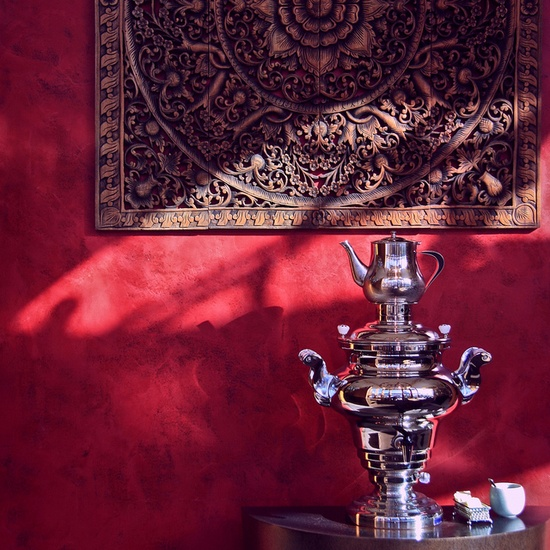 #Red wall and #Russian #samovar