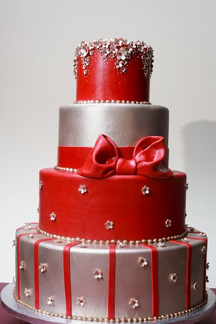 #Red Wedding Cake ... Wedding ideas for brides, grooms, parents & planners ... itunes.apple.com/... … plus how to organise an entire wedding, without overspending ? The Gold Wedding Planner iPhone App ?