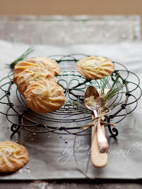 Simple  Cookies by Cintamani ;-), via Flickr
