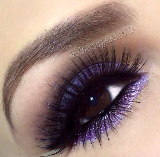 Purple eye makeup ????