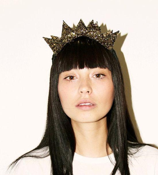 Glitter crown.
