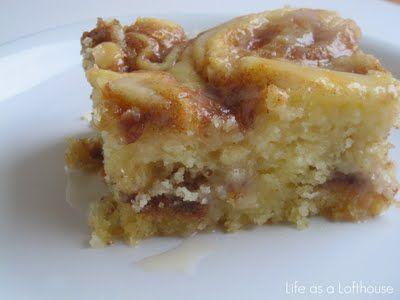 Cinnamon Roll Cake....yes please!
