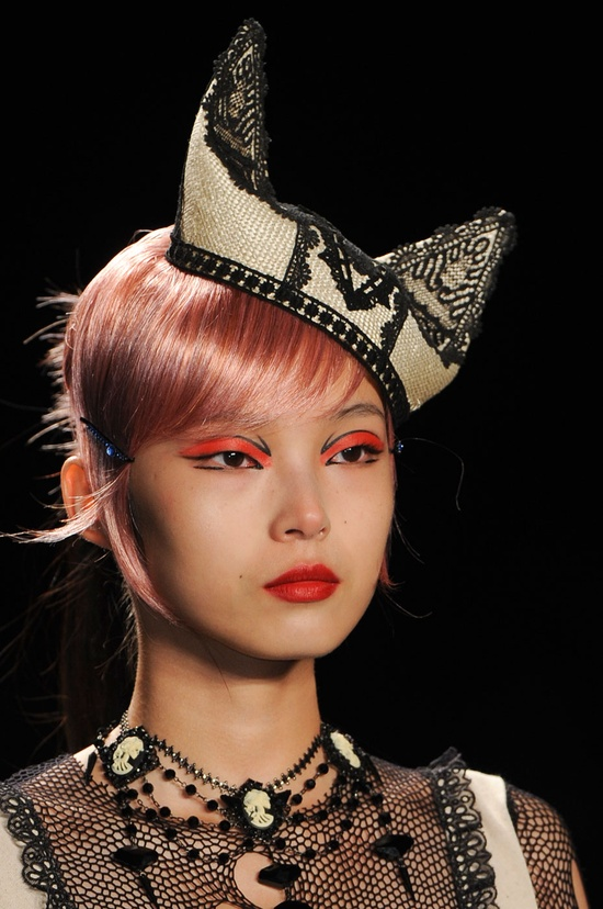 best hair accessory from #NYFW goes to Anna Sui - hands down!