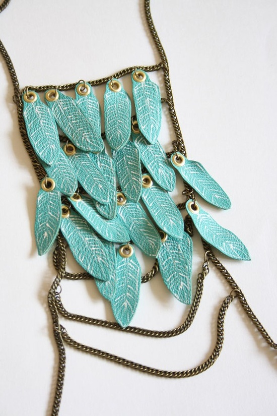 crazy texture in this necklace, love it!