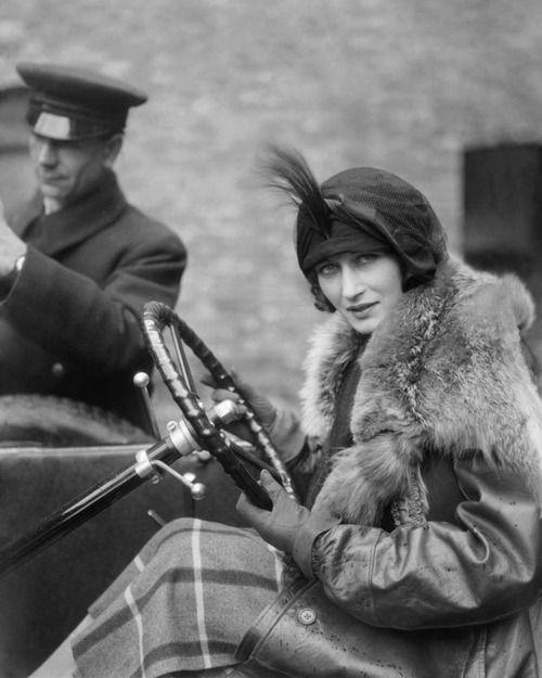Margot Burke par EO Hoppe, 1922.