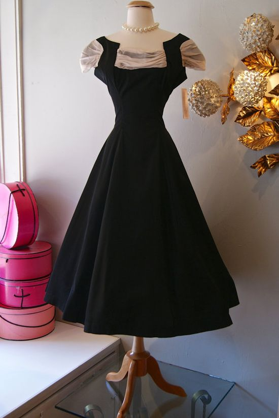 1950's Pink and Black Full Skirt Party Dress