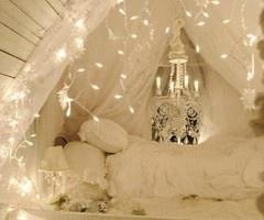 white fairy lights bedroom