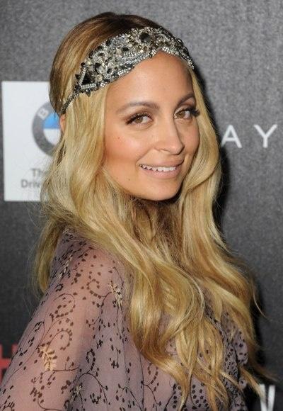 Nicole Richie, chic -pulls off this headband