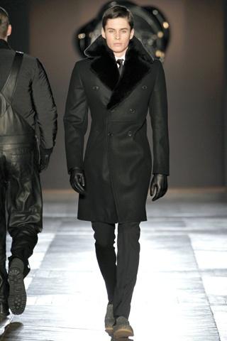 Viktor & Rolf Fall 2012 Menswear