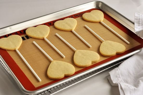 Steps to Making the Perfect Sugar Cookie (and Cookie Pop)