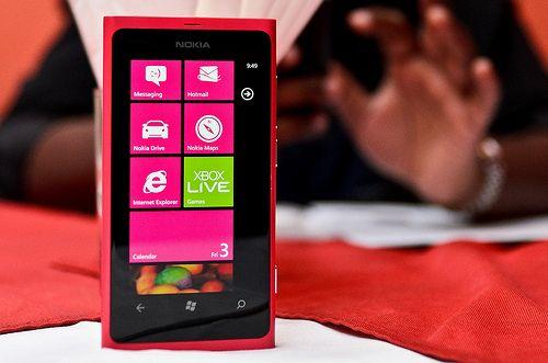 Microsoft Nokia Lumia 800 Windows Smart Phone