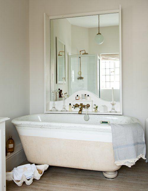 mirror/tub