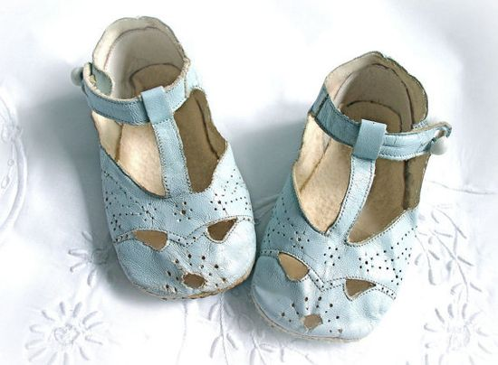 beautiful vintage baby shoes
