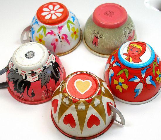 vintage ohio art tea cups.