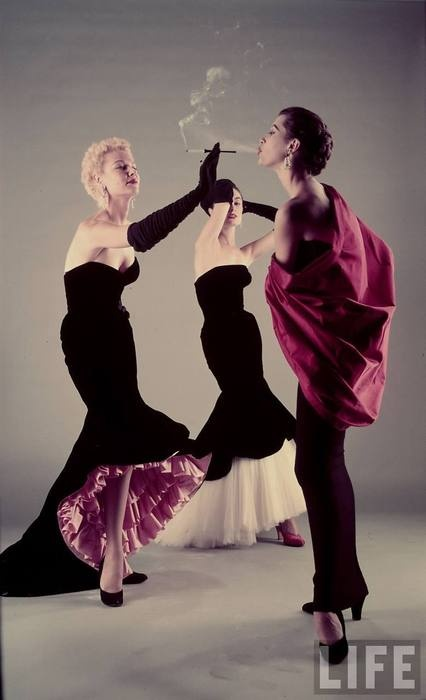 Frothy pink ruffles hidden under a sleek black Balenciaga gown. *Love!* #couture #LBD #dress #gown #vintage #fashion #clothes #1950s